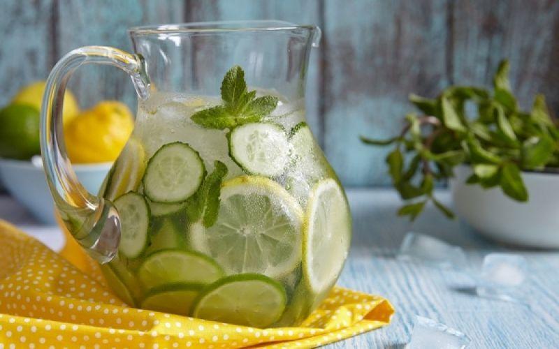 Λεμόνι με νερό: Μύθοι και αλήθειες γι' αυτό το θαύμα τηςφύσης