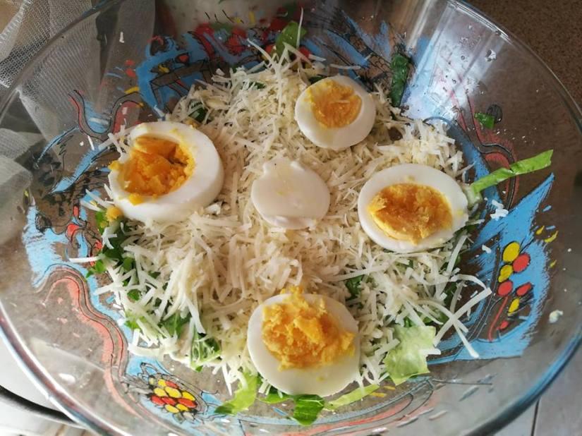 Σαλάτα με τρία τυριά καιΣως